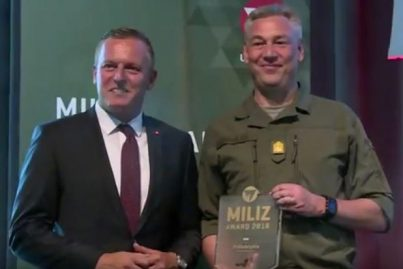 Übergabe Miliz Award an Philadelphia Management